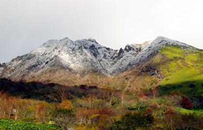 雪化粧をした朝日岳